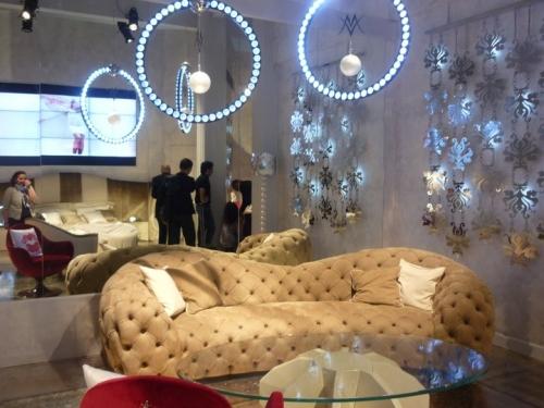 divano Valeria Marini.jpg