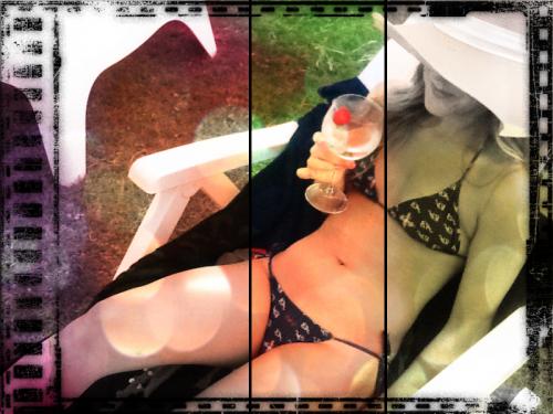 bikini annikaboc sito 2.png