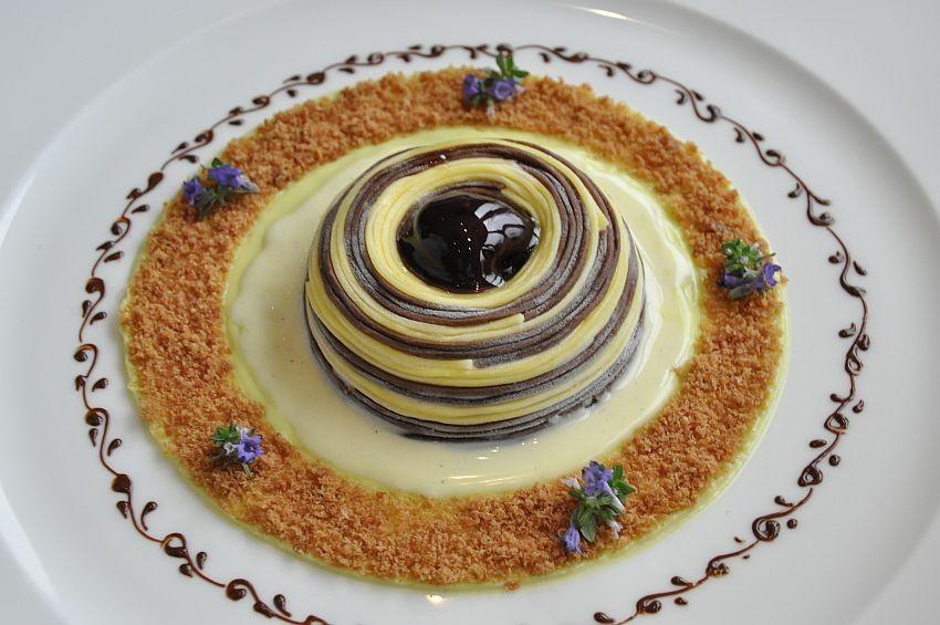 Il gelato nel piatto parma hong kong thailandia atene for Decorazioni piatti da cucina