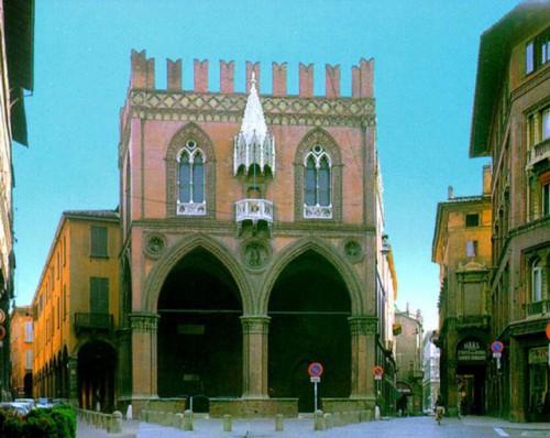 palazzo della Mercanzia.jpg