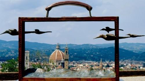 Firenze valigia con vista di folon cena da burde for Giardino orticoltura firenze aperitivo